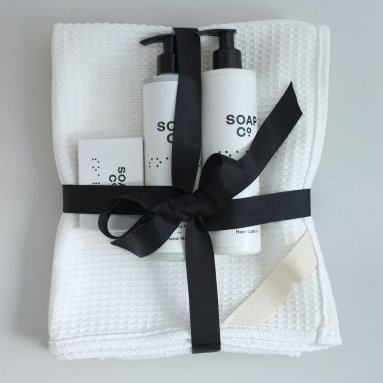 ethical_bathroom_christmas_gift_set_1024x1024