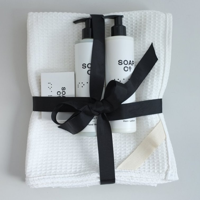 ethical_bathroom_christmas_gift_set_1024x1024