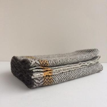 Natural_wool_herringbone_blanket_1024x1024